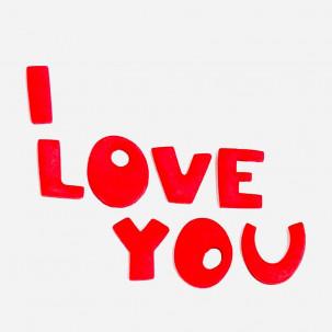 I LOVE YOU Cód.630 (Pacote c/ 8 letras escrito I love you. Medidas 2cm x 1,5cm)